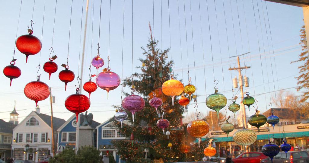 christmas-ornaments-tree