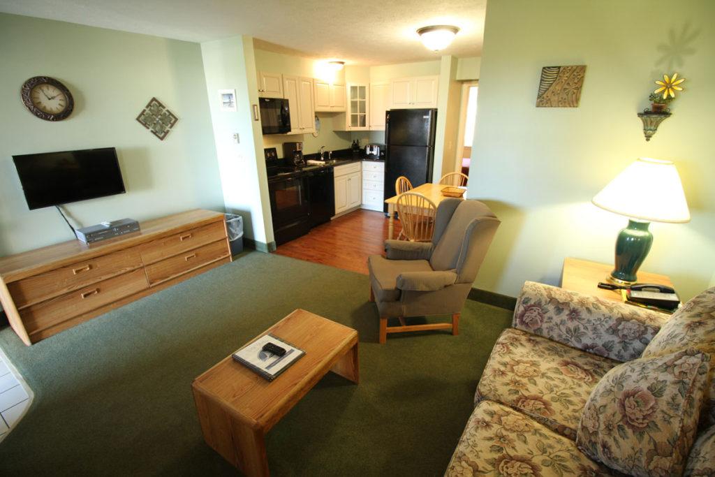 1one-bedroom-livingroom-misty-harbor