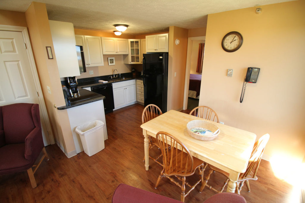 executive-suite-two-kitchen-misty-harbor