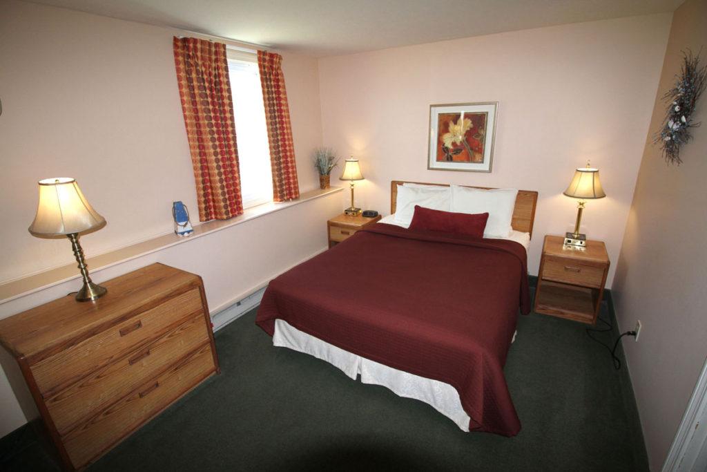 one-bedroom-bedroom-misty-harbor2