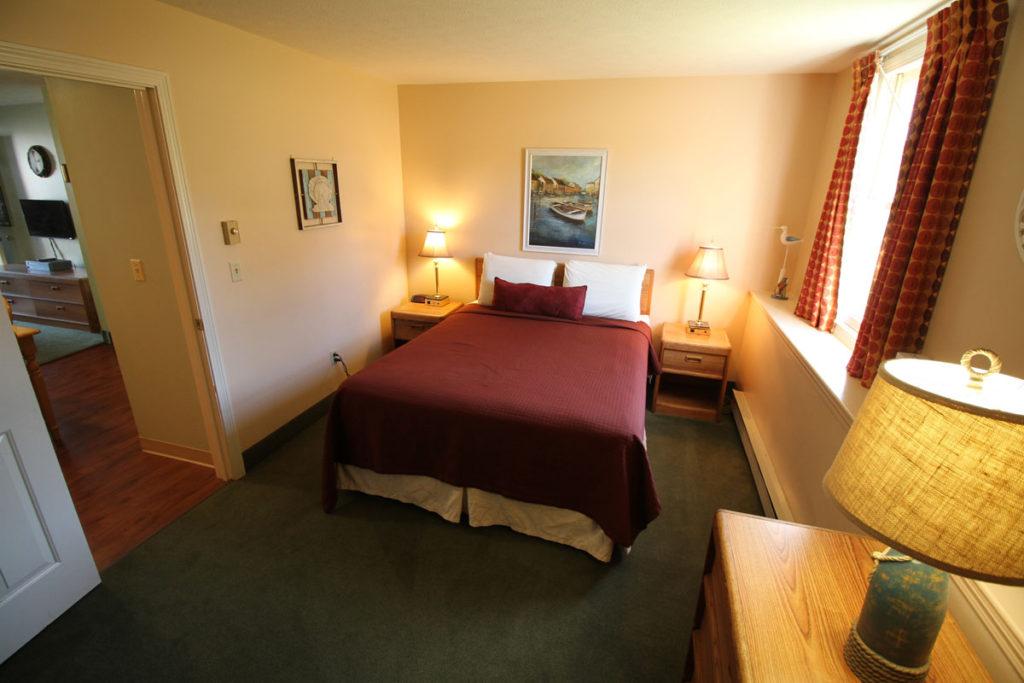 one-bedroom-bedroom-misty-harbor4