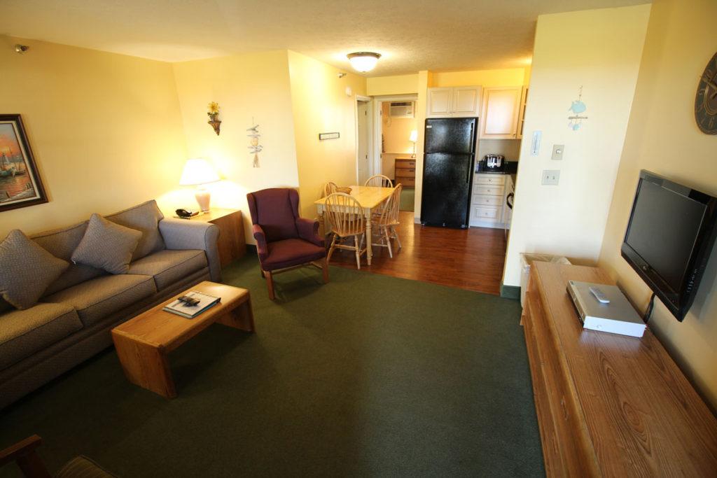 one-bedroom-greatroom-misty-harbor2